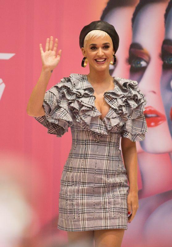 Katy Perry Latest Photos - CelebMafia