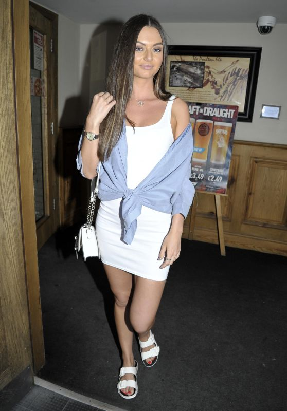 Kendall Rae Knight Night Out in Poulton-le-Fylde 07/08/2018