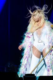 Kesha Performs - Concert in Noblesville 07/19/2018