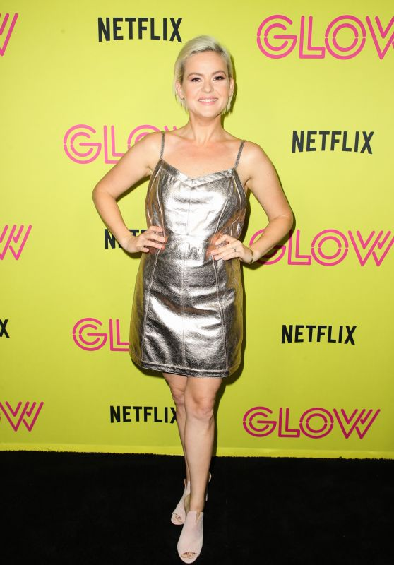 "Kimmy Gatewood – ""Glow"" Roller Skating Event in LA"