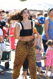 Kira Kosarin Casual Style - Farmers Market in Studio City 07/15/2018