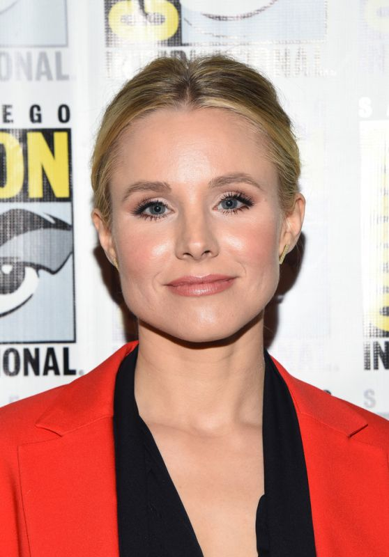 """Kristen Bell - """"The Good Place"""" Press Line at SDCC 2018"""