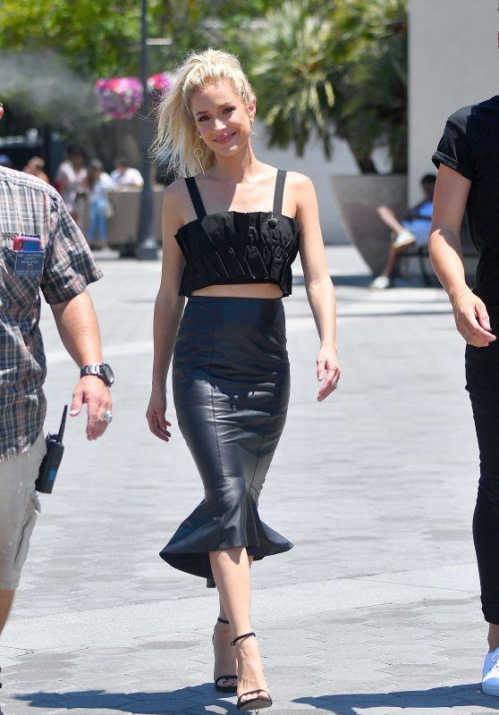 "Kristin Cavallari on the Set of ""Extra"" in Universal City 07/20/2018"