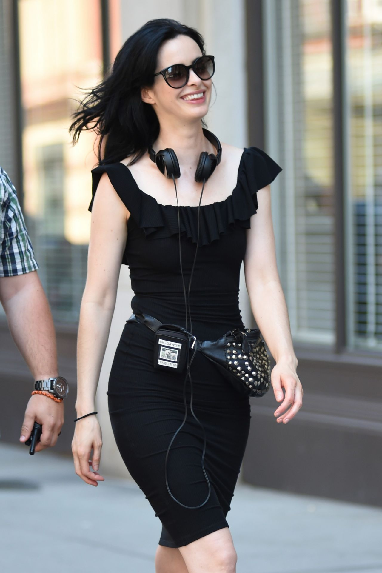 https://celebmafia.com/wp-content/uploads/2018/07/krysten-ritter-filming-jessica-jones-in-nyc-07-10-2018-2.jpg
