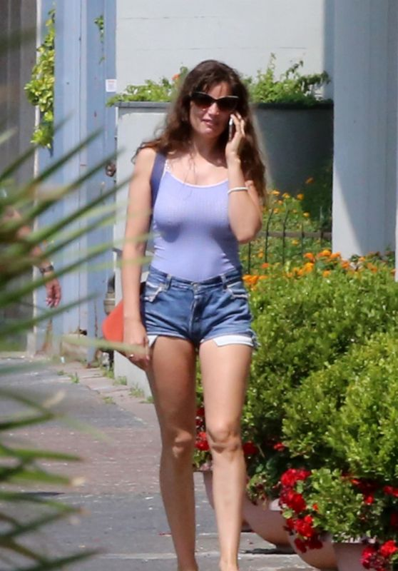 Laetitia Casta Leggy in Shorts - Naples 07/05/2018