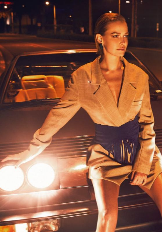 Lara Worthington - Harper's Bazaar Australia August 2018