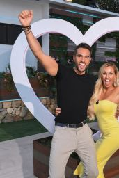 "Laura Anderson – ""Love Island"" TV Show S4E57 in Majorca"