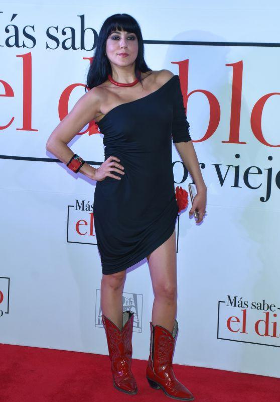 """Laura De Ita – """"Mas Sabe el Diablo por Viejo"""" Premiere in Mexico City"""