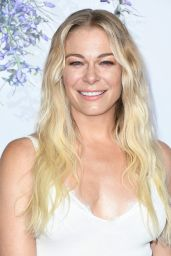 LeAnn Rimes – Hallmark Channel Summer TCA 2018 in Beverly Hills
