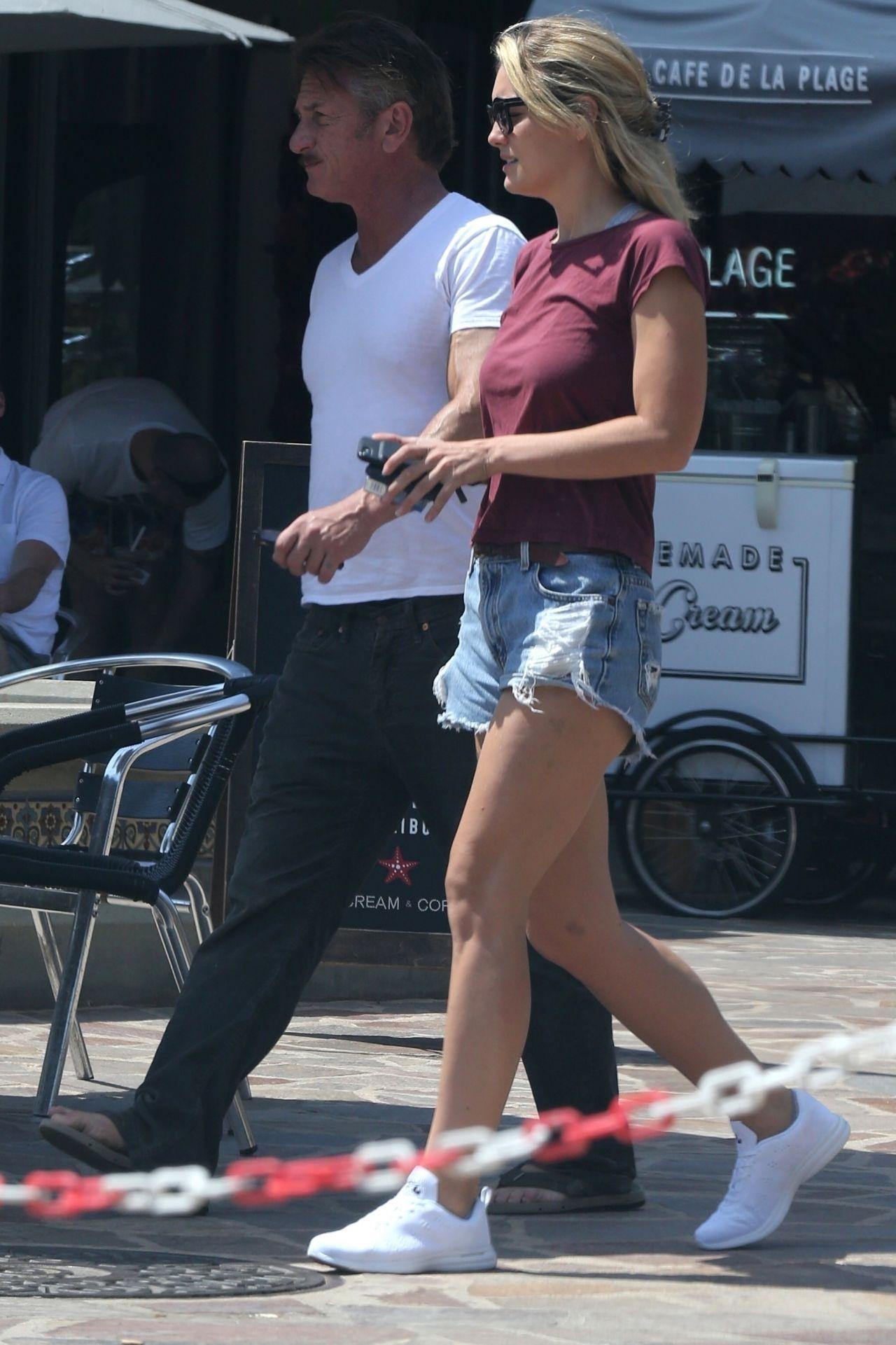 Leila George in Jeans ...