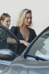 "Margot Robbie - Visiting the Set of ""Once Upon a Time in Hollywood"" in LA 07/24/2018"