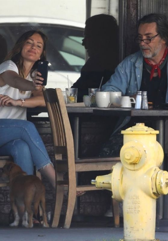 Minka Kelly With Her Father Rick Dufay at the Kings Road Cafe in LA 07/03/2018