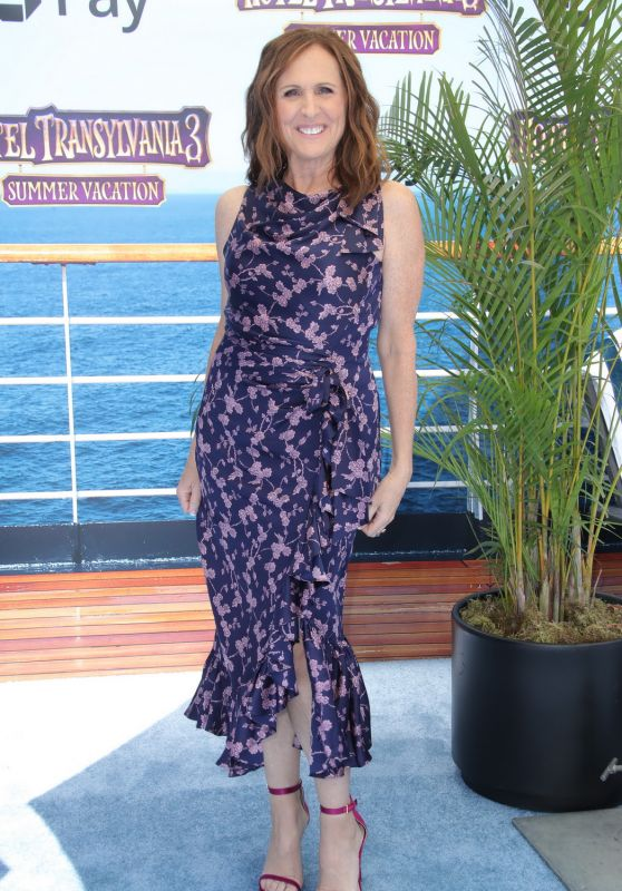 "Molly Shannon – ""Hotel Transylvania 3: Summer Vacation"" Premiere in LA"