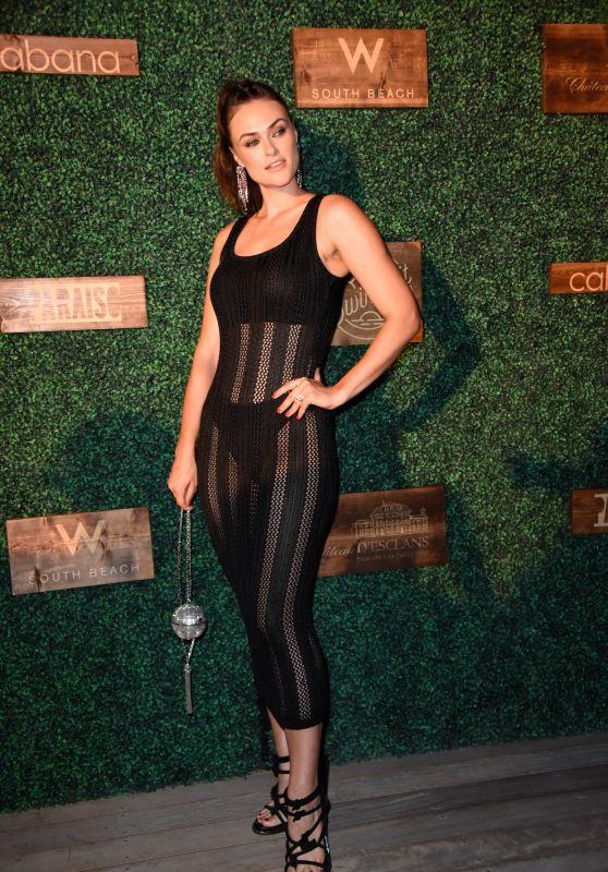 Myla Dalbesio – 2018 SI Swimsuit Show in Miami