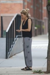 Naomi Watts - Chatting on Her Cellphone 07/23/2018