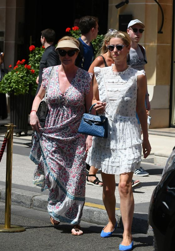Nicky Hilton and her Mother - Shopping in Paris 07/01/2018