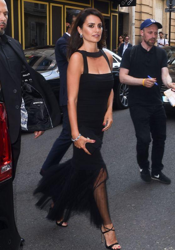 Penelope Cruz - Arriving at the Atelier Swarovski Cocktail Party in Paris 07/02/2018