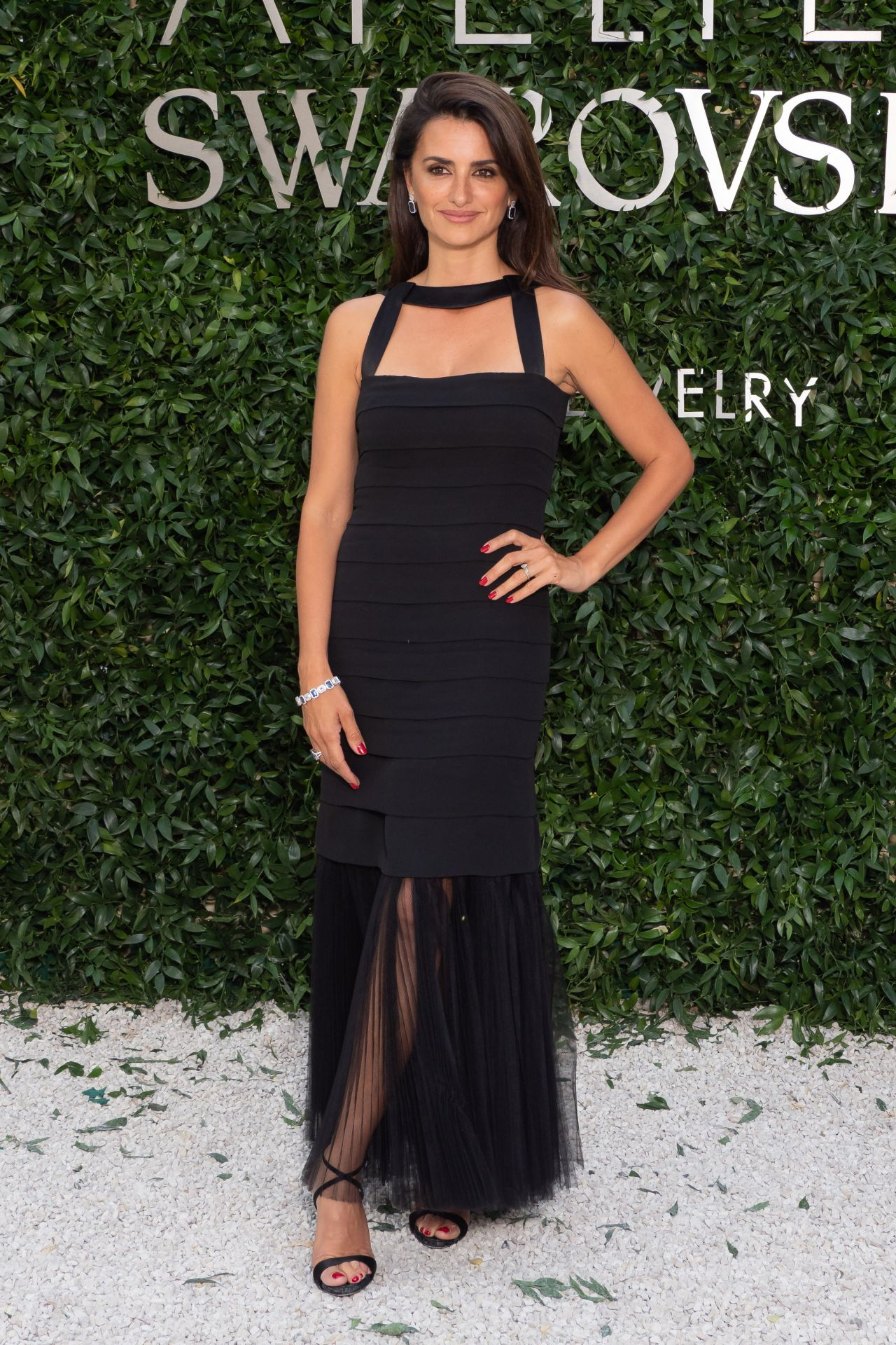 https://celebmafia.com/wp-content/uploads/2018/07/penelope-cruz-atelier-swarovski-cocktail-party-in-paris-07-02-2018-14.jpg
