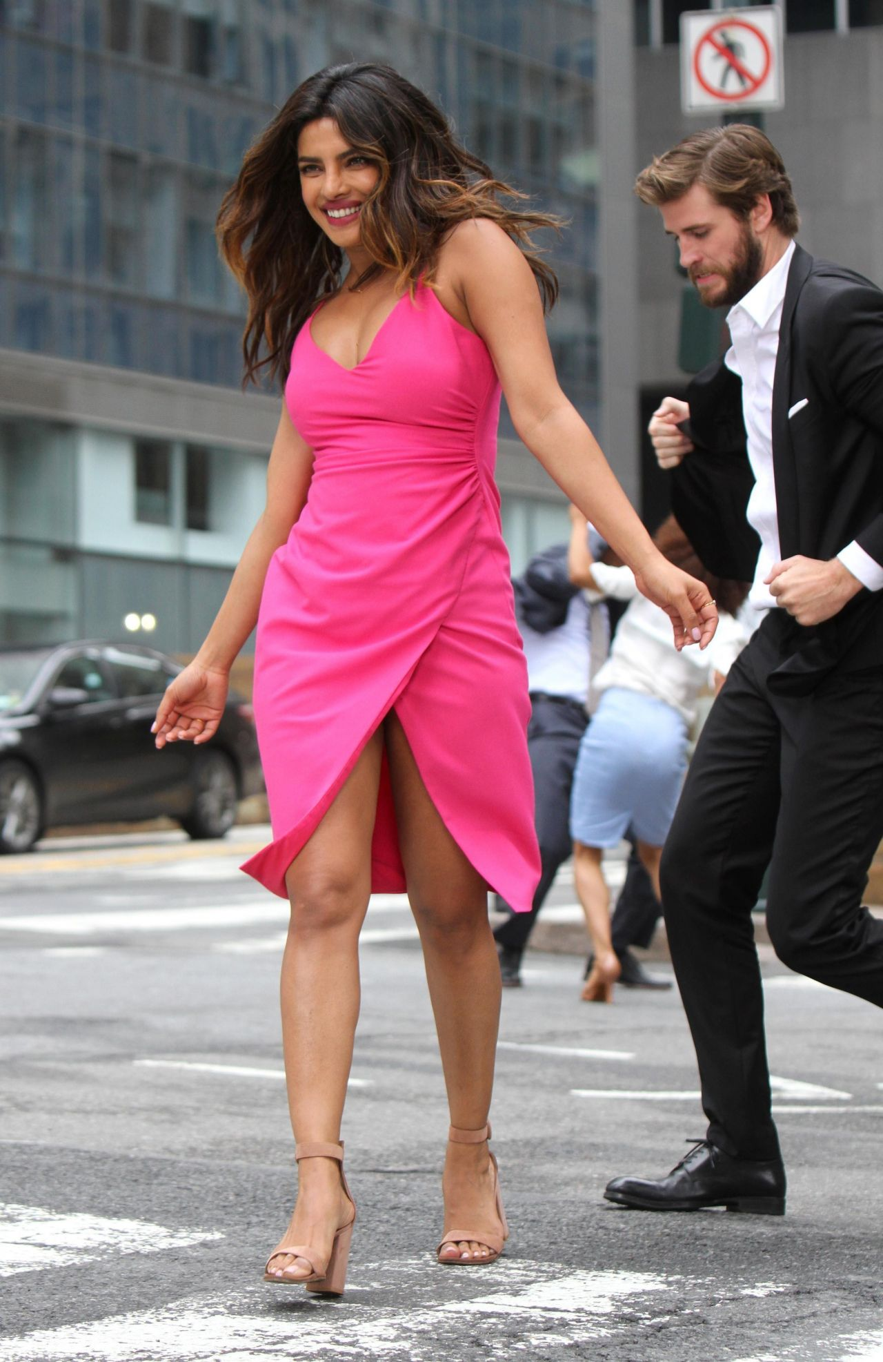 https://celebmafia.com/wp-content/uploads/2018/07/priyanka-chopra-liam-hemsworth-rebel-wilson-adam-devine-and-betty-gilpin-filming-a-dance-scene-for-isn-t-it-romantic-in-ny-2.jpg