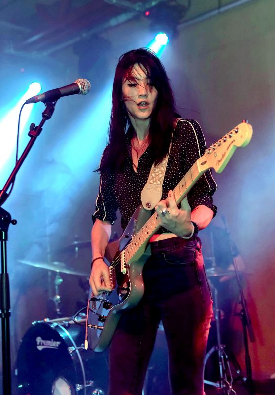 Queen Kwong in Concert at Brudenell Social Club in Leeds 07/29/2018