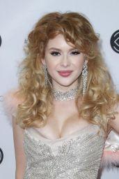 Renee Olstead – Los Angeles Beautycon Festival 2018