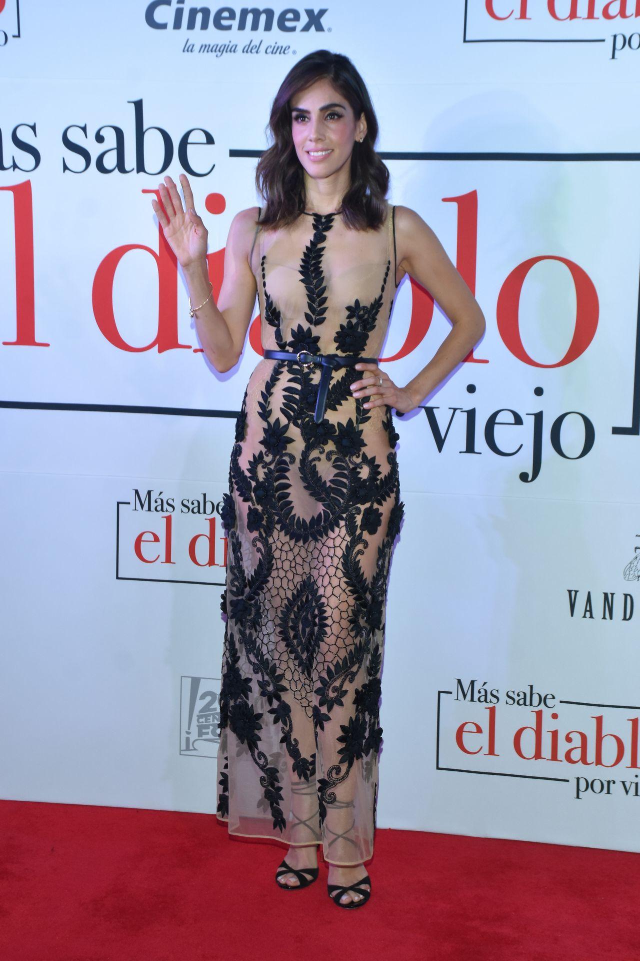 https://celebmafia.com/wp-content/uploads/2018/07/sandra-echeverria-mas-sabe-el-diablo-por-viejo-premiere-in-mexico-city-3.jpg