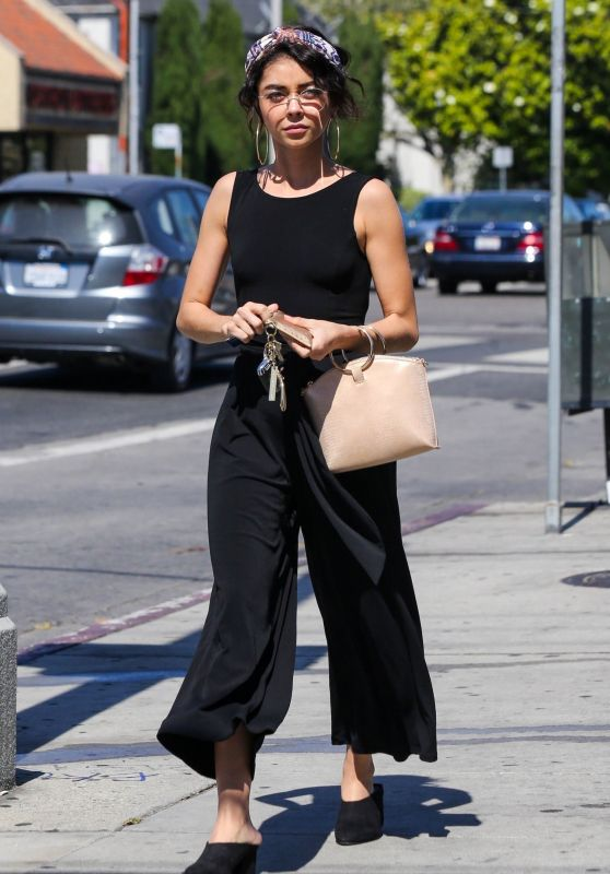 Sarah Hyland - Out in Hollywood 06/30/2018