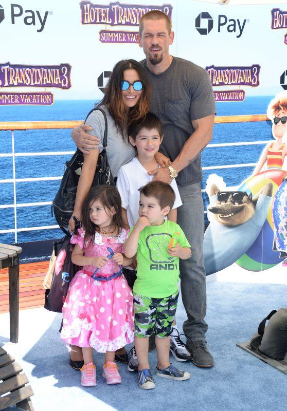 "Sarah Shahi and Steve Howey - ""Hotel Transylvania 3: Summer Vacation"" Premiere in LA"