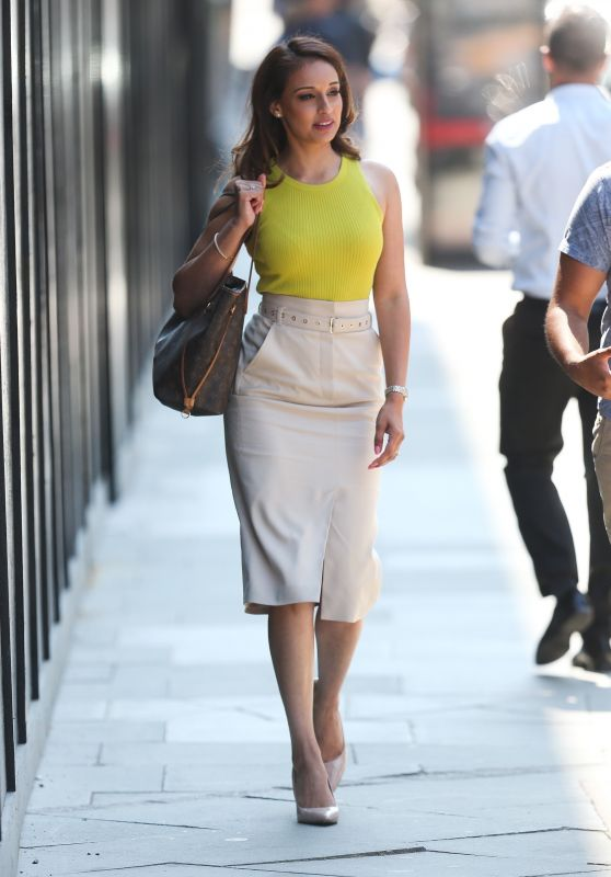Seema Jaswal Walks Through Kings Cross in London 07/24/2018