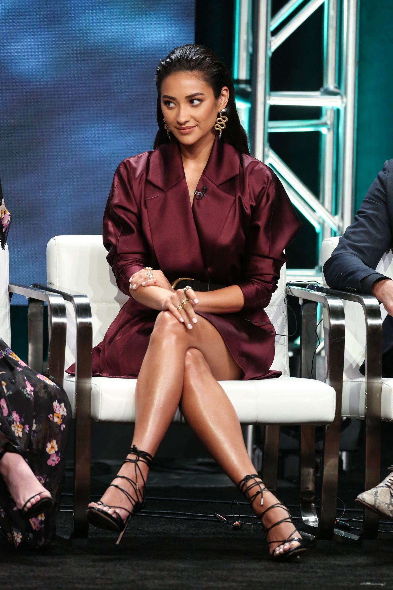 Shay Mitchell Quot You Quot Panel At 2018 Summer Tca Press Tour