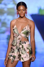 Sinesia Karol Show - Miami Swim Fashion Week Spring/Summer 2019