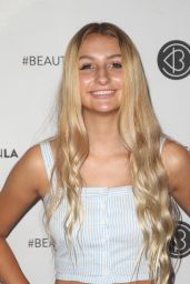 Sophia Strauss – Los Angeles Beautycon Festival 2018