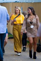Sophie Turner - Reveals a New Tattoo on Her Left Bicep