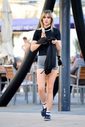 Suki Waterhouse Leaving a Gym in LA 07/19/2018