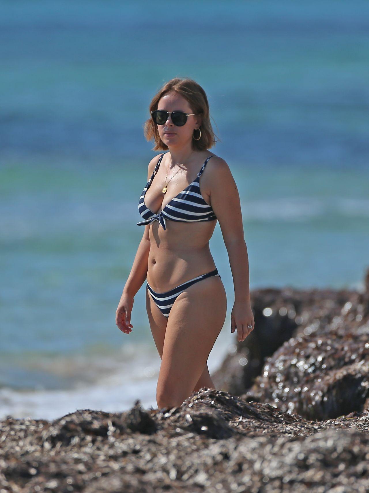 Bikini Tanya Burr nude (14 foto and video), Sexy, Bikini, Twitter, butt 2018