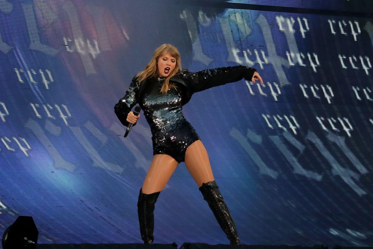 Taylor Swift Latest Ph... Taylor Swift Reputation Tour