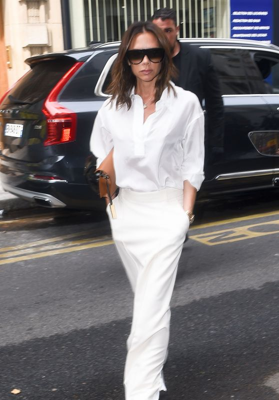 Victoria Beckham in All White - Paris 07/05/2018
