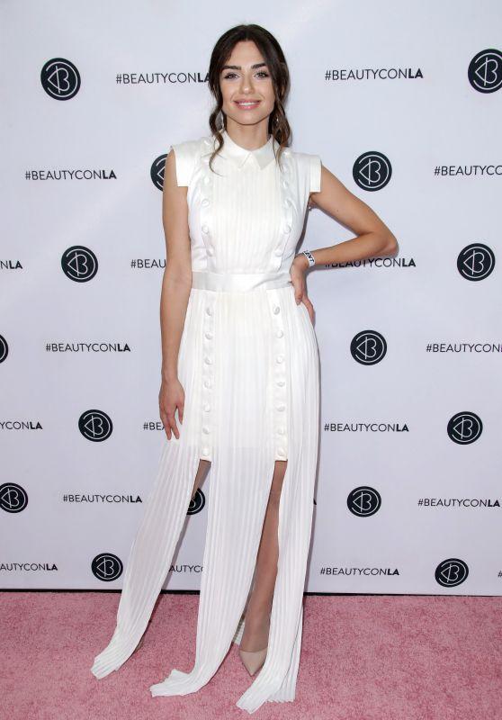 Victoria Konefal - Los Angeles Beautycon Festival 07/14/2018