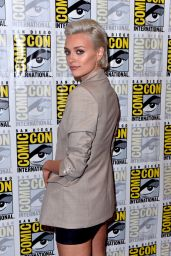 "Wallis Day - ""Krypton"" Press Line at SDCC 2018"