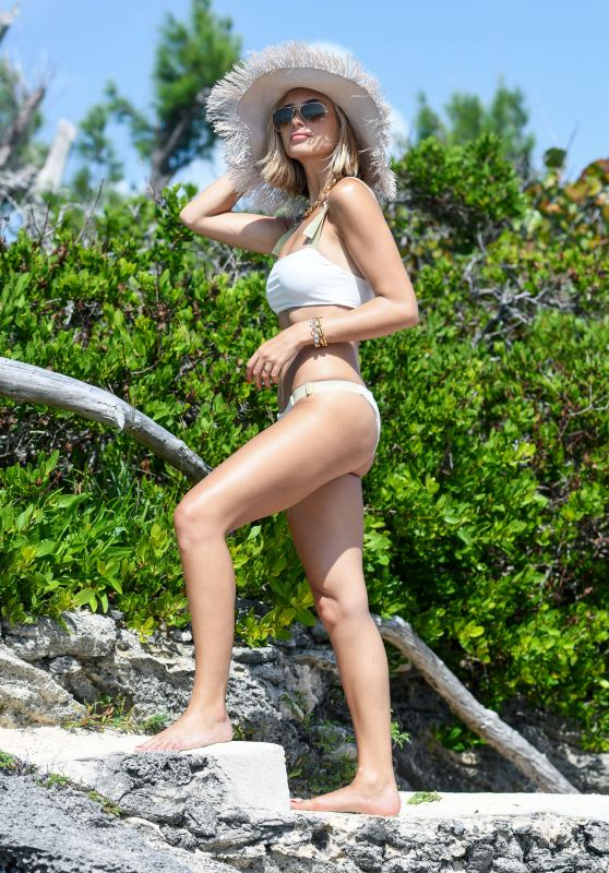 Xenia Adonts - Revolve Summer Event in Bermuda 07/17/2018