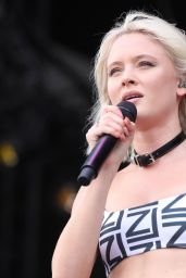 Zara Larsson Performs at Lollapalooza Paris Festival 07/22/2018