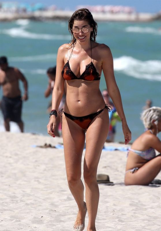 Aida Yespica in Bikini on the Beach, August 2018