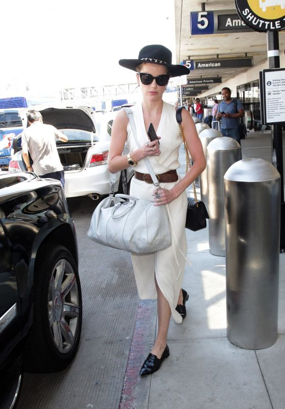 Amber Heard - Arriving at LAX Airport in LA 08/07/2018