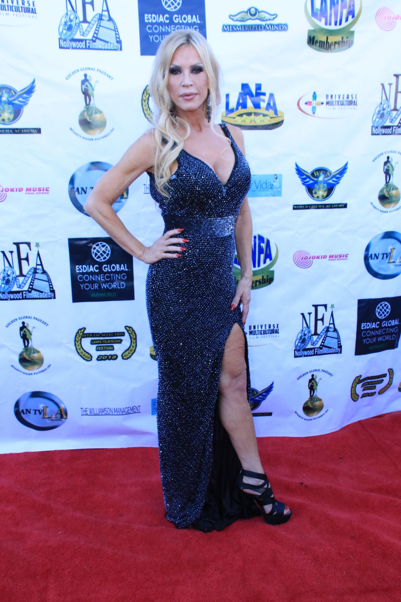 amber-lynn-los-angeles-nollywood-awards-08-07-2018-2.jpg