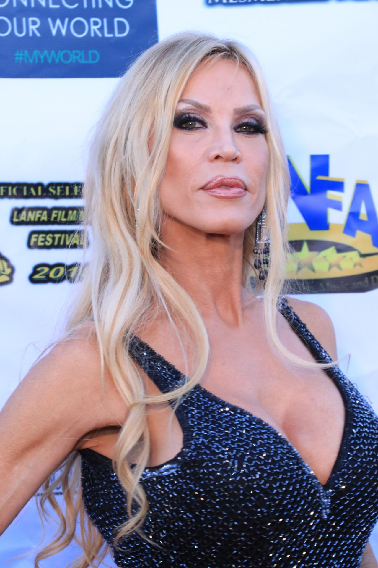 amber-lynn-los-angeles-nollywood-awards-08-07-2018-4.jpg