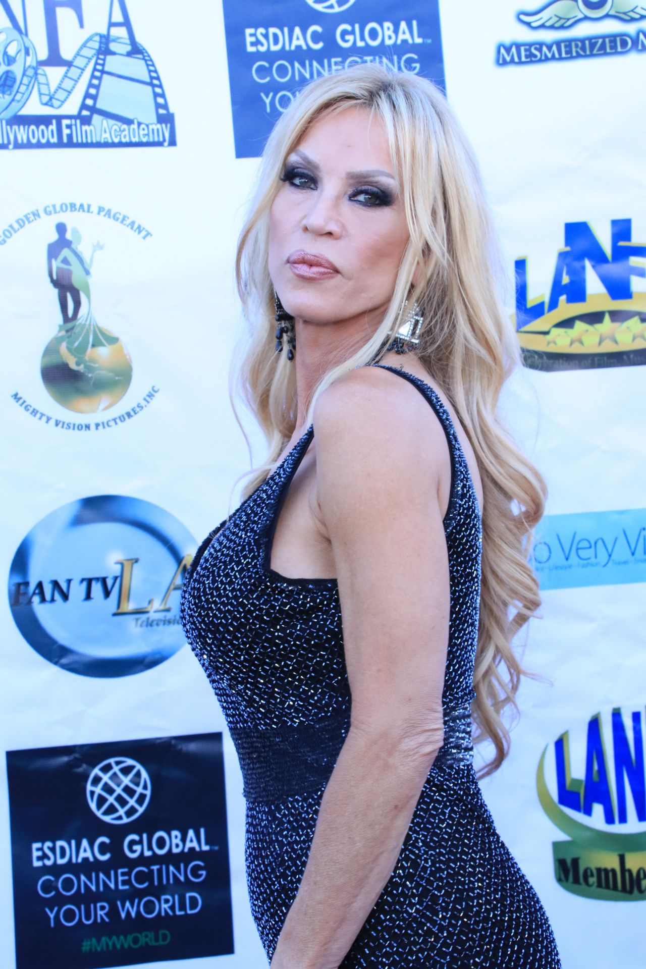 amber-lynn-los-angeles-nollywood-awards-08-07-2018-5.jpg