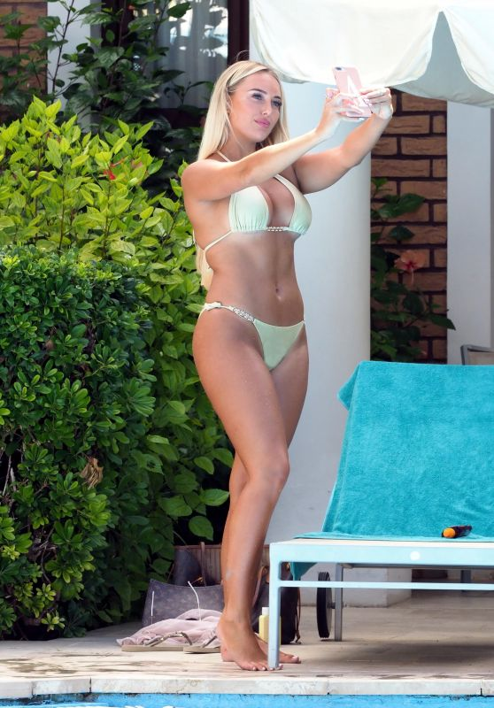 Amber Turner in Bikini - Poolside in Greece 08/19/2018