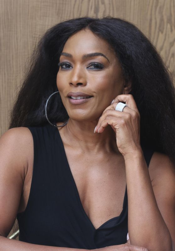 Angela Bassett - 9-1-1 Press Conference in Beverly Hills