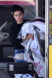 Ariel Winter - Leaving a Dry Cleaners in Studio City 08/28/2018