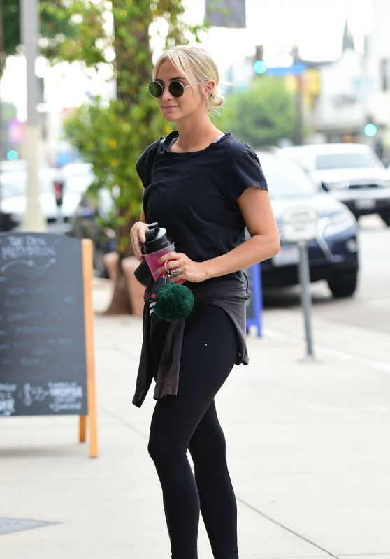 Ashlee Simpson - Out in Los Angeles 08/23/2018